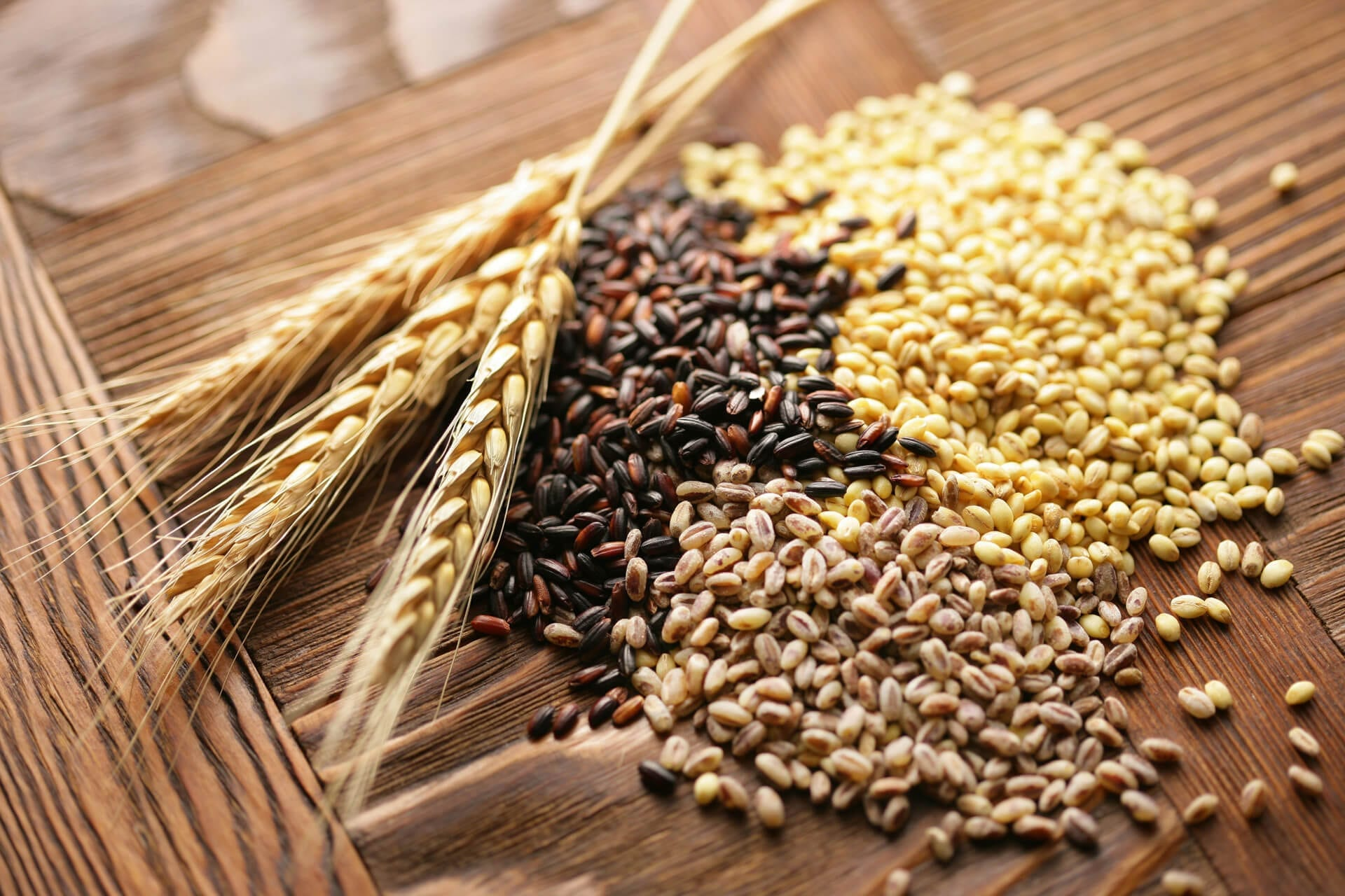 Whole-grains-healthy-office-snacks