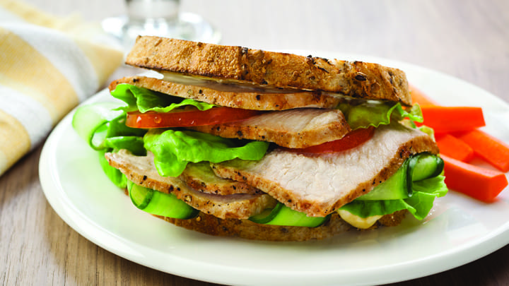 sliced_turkey_sandwich_2