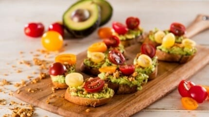 39 avocado_toast_with_pumpkin_flax_bacon-018_2