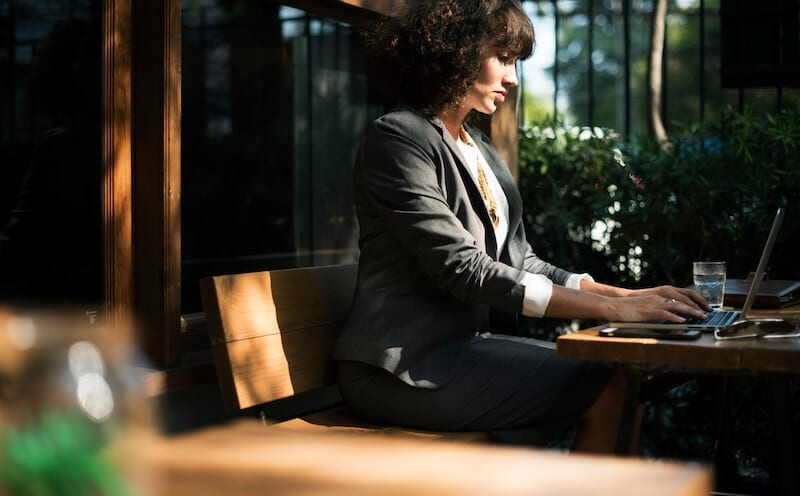 21 Helpful Tools Every Executive Assistant Should Know About