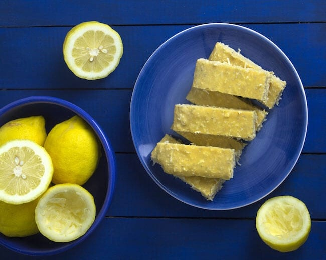 pucker-up-lemon-protein-bars-omnomally-2