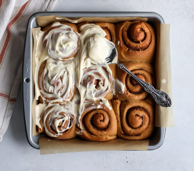 whole-wheat-gingerbread-cinnamon-rolls-4